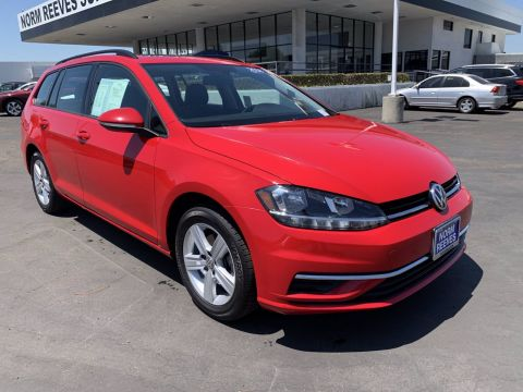 Certified Pre-Owned 2018 Volkswagen Golf SportWagen SE FWD Small Station Wagon